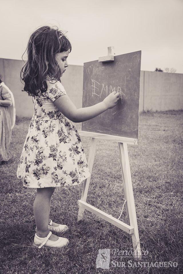 fono nena blanco y negro