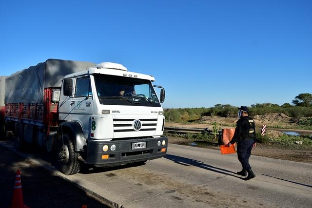 sur-santiagueno-en-la-zona-caliente-del-control-vehicular-en-el-sudeste-santiagueno-3
