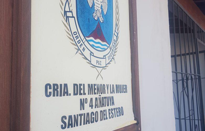 el-intendente-ibanez-saludo-y-agasajo-a-las-mujeres-policias-de-anatuya-1