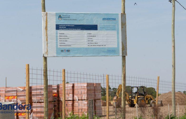 el-intendente-guillermo-novara-recorrio-las-obras-del-nuevo-colegio-sanchez-barquet-1