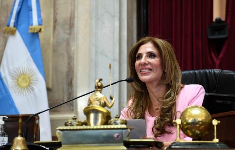 Claudia de Zamora sesion