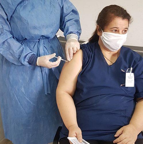se-aplico-segunda-dosis-de-vacuna-rusa-en-hospital-zonal-de-selva-18
