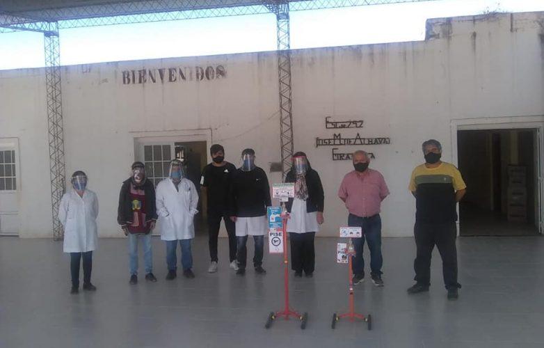 herrera-escuelas-rurales-recibieron-dispenser-de-desinfeccion