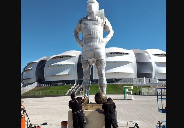 maradona estatua
