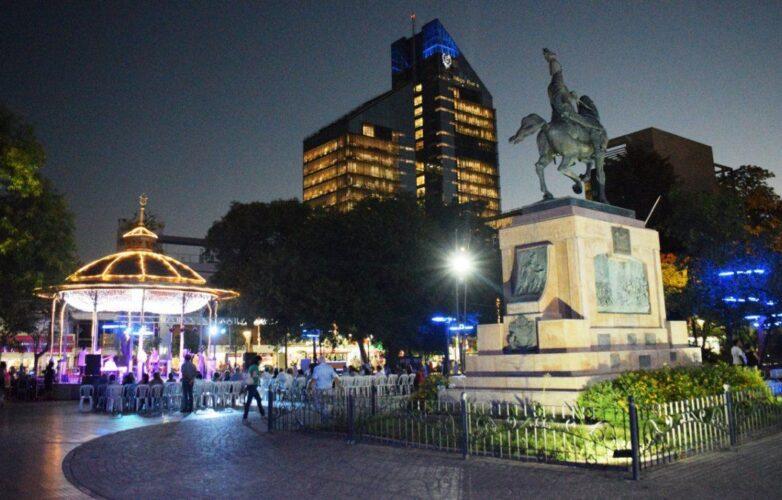 plaza-libertad-la-ciudad-santiago-del-estero